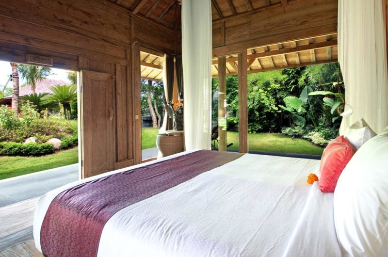 Bedroom with Outdoor View - Villa Kalua - Umalas, Bali