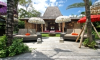 Reclining Sun Loungers - Villa Kalua - Umalas, Bali