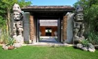 Entrance - Villa Kalua - Umalas, Bali