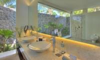 En-Suite His and Hers Bathroom - Villa Kalyani - Canggu, Bali