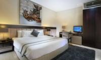 Bedroom with Study Table - Villa Kalyani - Canggu, Bali