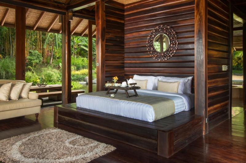 Bedroom with Sofa - Villa Kamaniiya - Ubud, Bali