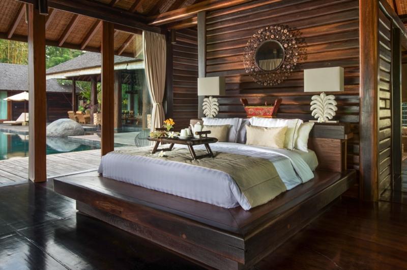 Bedroom with Wooden Floor - Villa Kamaniiya - Ubud, Bali
