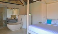 Bedroom and En-Suite Bathroom - Villa Kami - Canggu, Bali