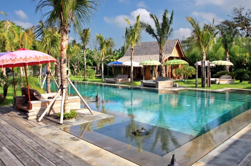 Gardens and Pool - Villa Kayu - Umalas, Bali