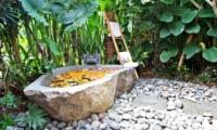 Outdoor Bathtub - Villa Kayu - Umalas, Bali