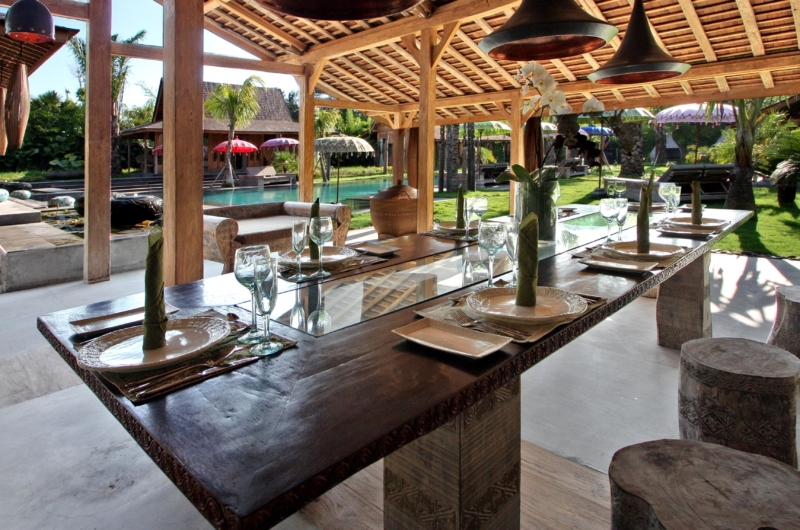 Dining Area with Pool View - Villa Kayu - Umalas, Bali