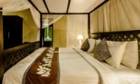 Four Poster Bed - Villa Kebun - Seminyak, Bali