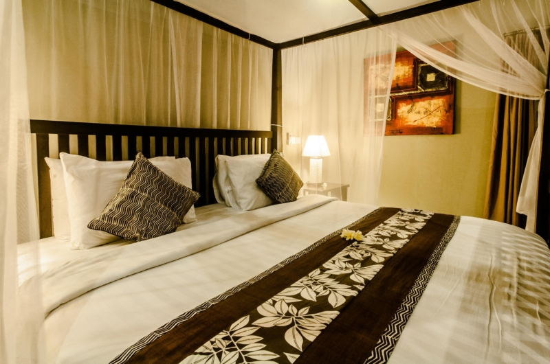 Bedroom with Four Poster Bed - Villa Kebun - Seminyak, Bali