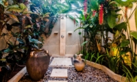 Open Plan Shower - Villa Kebun - Seminyak, Bali