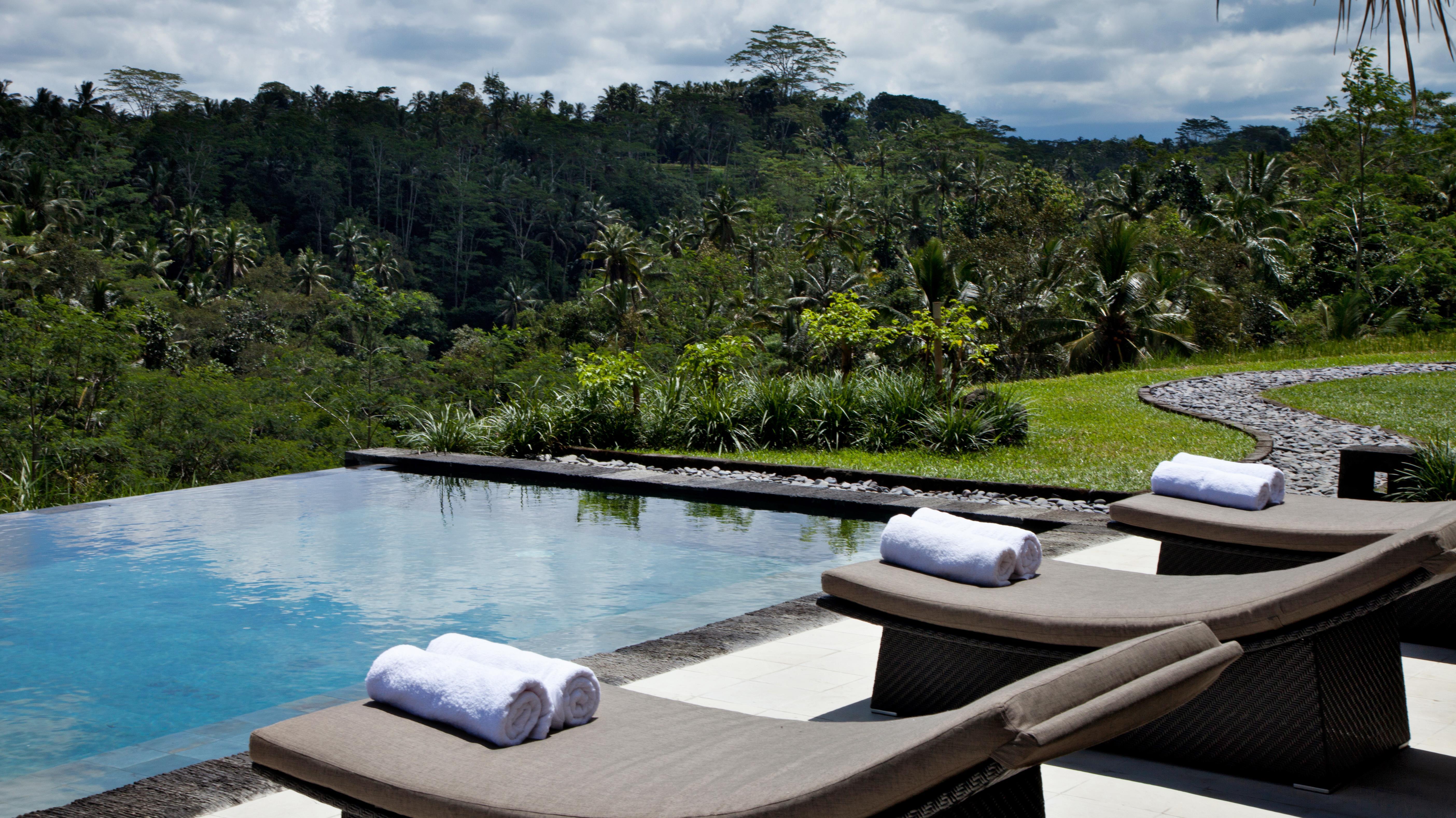 Rent Villa Pondok Sapi 3 Bedrooms Sleeps 6 Pool