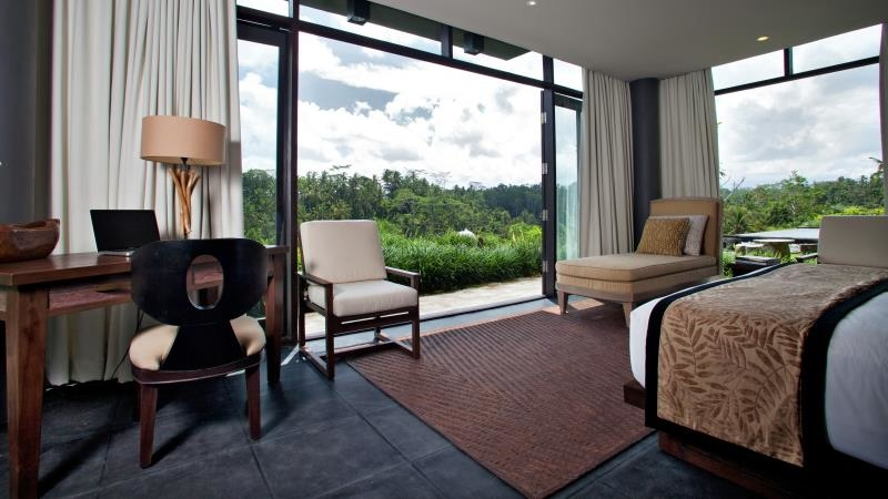 Bedroom with Seating Area - Villa Kelusa - Ubud, Bali