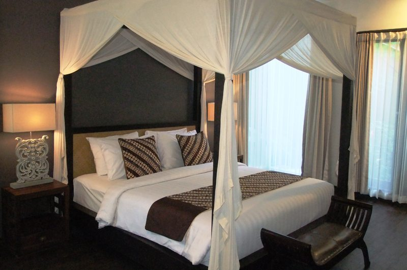 Bedroom with Four Poster Bed - Villa Kembang - Ubud, Bali