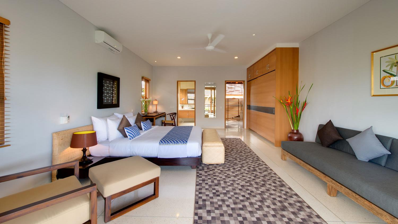 Spacious Bedroom with Sofa - Villa Kinara - Seminyak, Bali