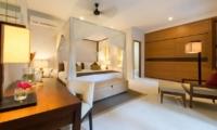 Four Poster Bed - Villa Kinaree Estate - Seminyak, Bali