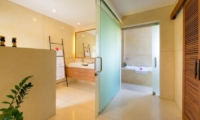 En-Suite Bathroom with Mirror - Villa Kinaree Estate - Seminyak, Bali