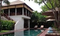 Pool Side - Villa Kipi - Batubelig, Bali