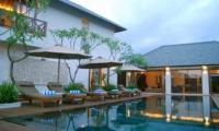Pool Side Loungers - Villa Kipi - Batubelig, Bali
