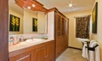 Bathroom with Mirror - Villa Krisna - Seminyak, Bali