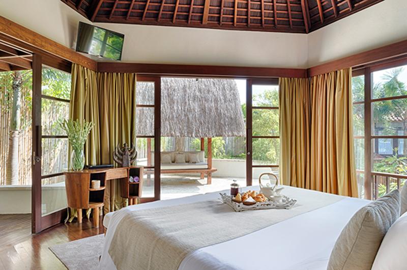 Bedroom with Garden View – Villa Kubu – Seminyak, Bali