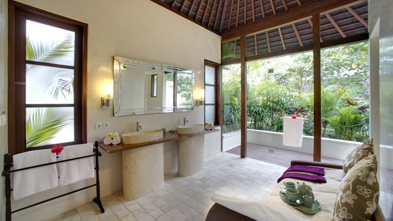His and Hers Bathroom - Villa Kubu - Seminyak, Bali