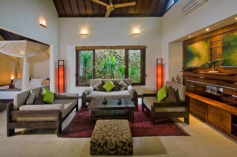 Bedroom with Sofa Set - Villa Kubu 10 - Seminyak, Bali