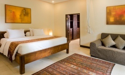 Bedroom with Sofa - Villa Kubu 14 - Seminyak, Bali