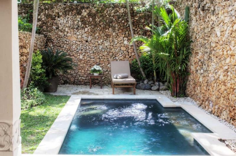 Pool Side Seating Area - Villa Kubu 15 - Seminyak, Bali