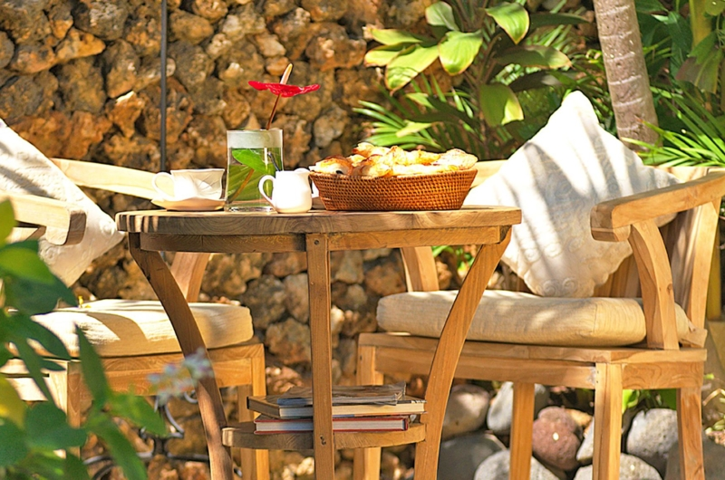 Outdoor Seating Area - Villa Kubu 15 - Seminyak, Bali
