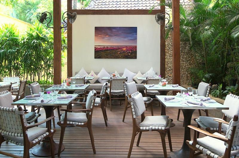 Common Dining Area - Villa Kubu 15 - Seminyak, Bali
