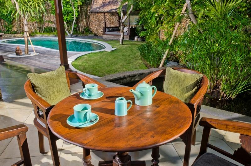 Outdoor Seating Area - Villa Kubu 4 - Seminyak, Bali