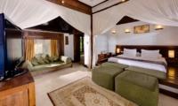 Bedroom with Seating Area - Villa Kubu 7 - Seminyak, Bali