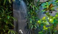 Open Plan Shower - Villa Kubu 7 - Seminyak, Bali