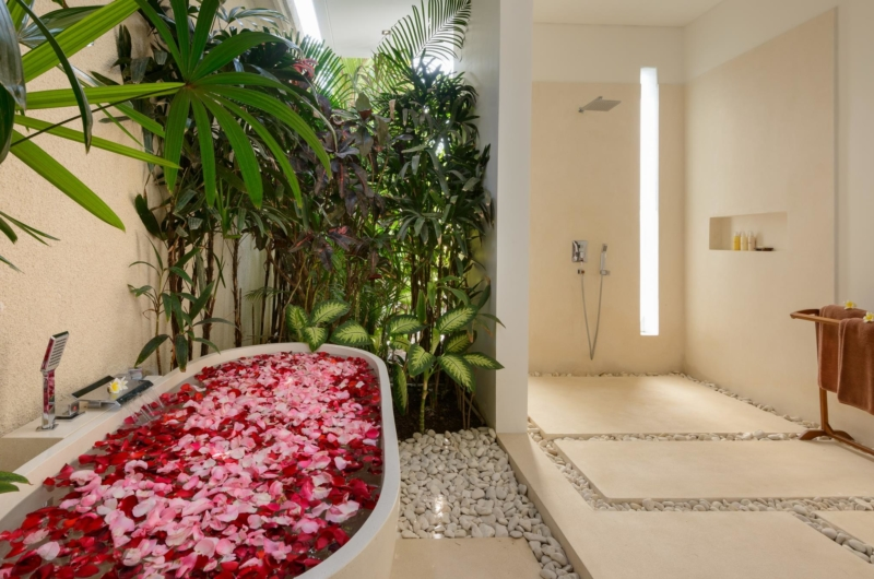 Romantic Bathtub Set Up - Villa Kyah - Seminyak, Bali
