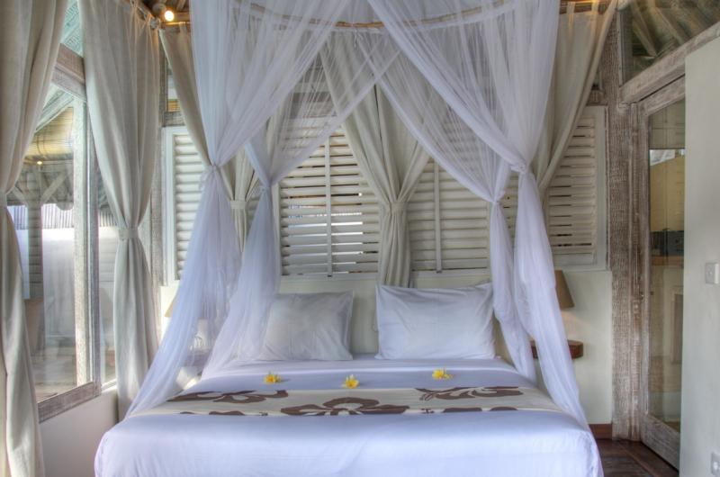 Bedroom with Mosquito Net - Villa Laksmana 1 - Seminyak, Bali
