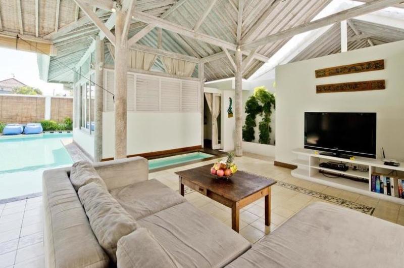 Living Area with TV - Villa Laksmana 2 - Seminyak, Bali
