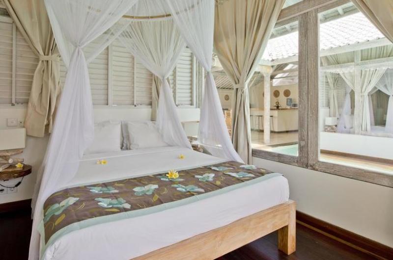 Bedroom with Mosquito Net - Villa Laksmana 2 - Seminyak, Bali