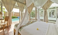 Bedroom with Study Table - Villa Laksmana 2 - Seminyak, Bali