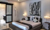 Bedroom and Bathroom - Villa Lanai Residence - Seminyak, Bali