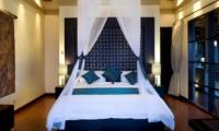 Bedroom with Mosquito Net - Villa Lega - Seminyak, Bali