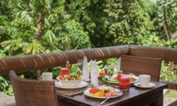 Dining Table with Breakfast - Villa Liang - Batubelig, Bali