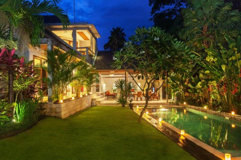 Gardens and Pool at Night - Villa Liang - Batubelig, Bali