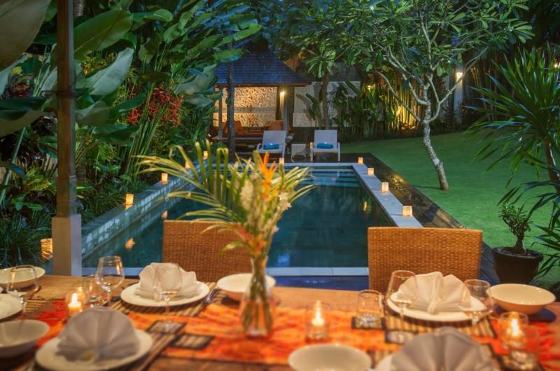 Pool Side Dining - Villa Liang - Batubelig, Bali