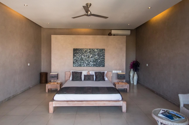 Bedroom with Table Lamps - Villa Lisa - Seminyak, Bali