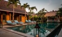Pool Bale - Villa Little Mannao - Kerobokan, Bali