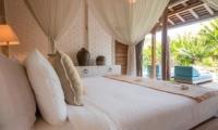 Bedroom with Pool View - Villa Little Mannao - Kerobokan, Bali
