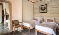 Twin Bedroom with Mirror - Villa Little Mannao - Kerobokan, Bali