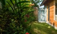 Outdoor Shower - Villa Little Mannao - Kerobokan, Bali