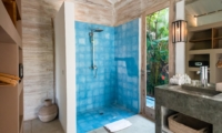 Bathroom with Shower - Villa Little Mannao - Kerobokan, Bali
