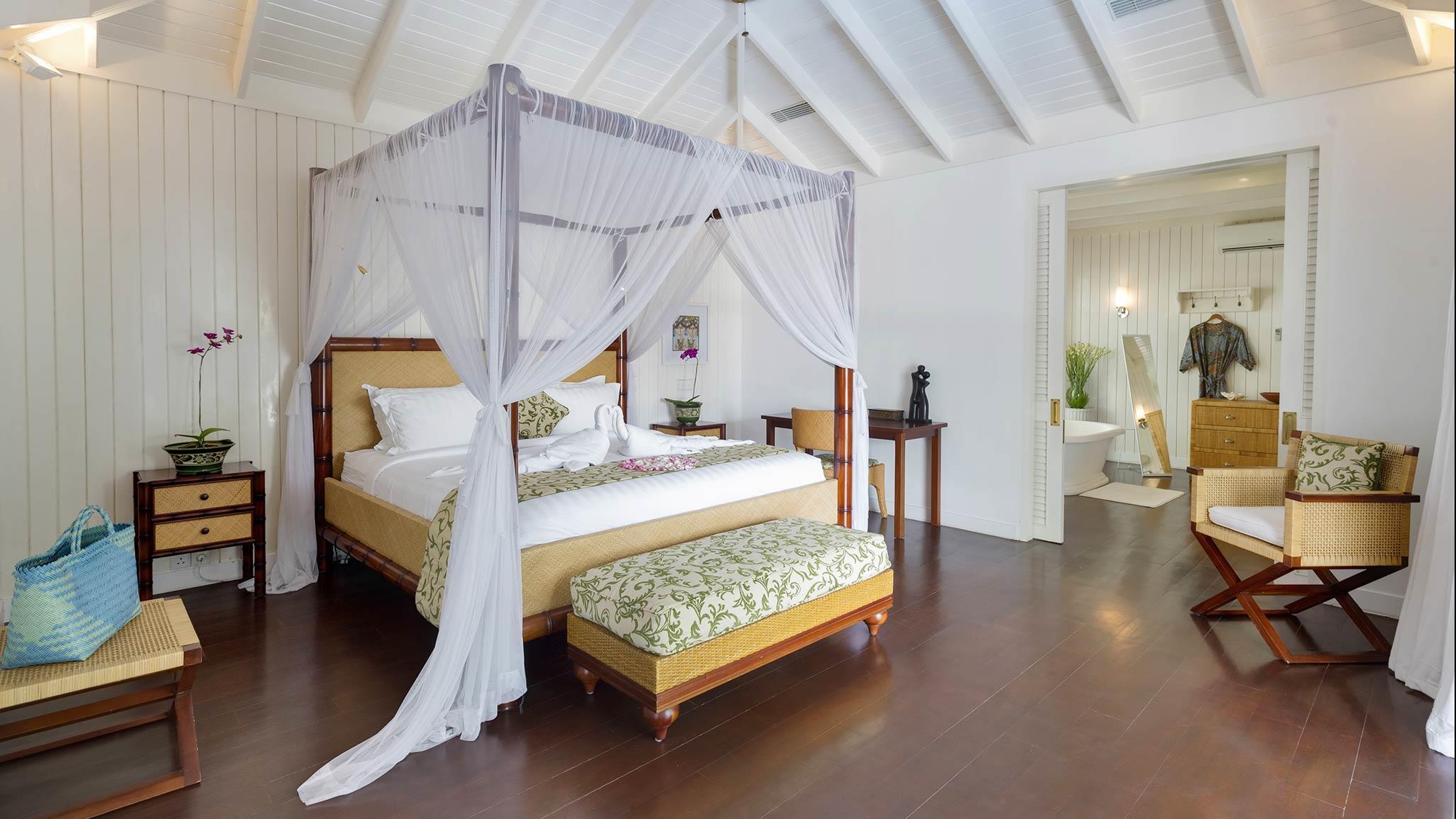 Bedroom with Wooden Floor - Villa Lulito - Seminyak, Bali